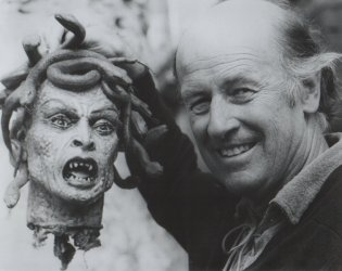 Ray Harryhausen and the Medusa head from Clash of the Titans (1981)